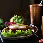 Burger ohne Brötchen – was es mit dem neuen Trend auf sich hat